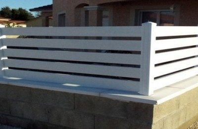 Protéger sa maison en installant une clôture